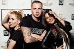 Фотографии Иванова, Гозиас и Мунас из караоке-бара