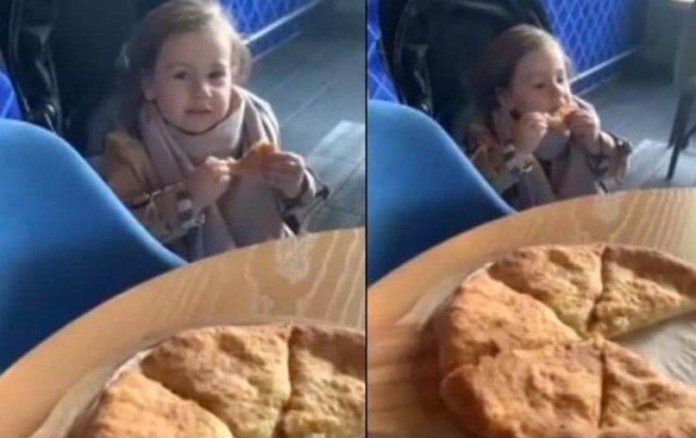 Тата Абрамсон кормит дочку чем придётся