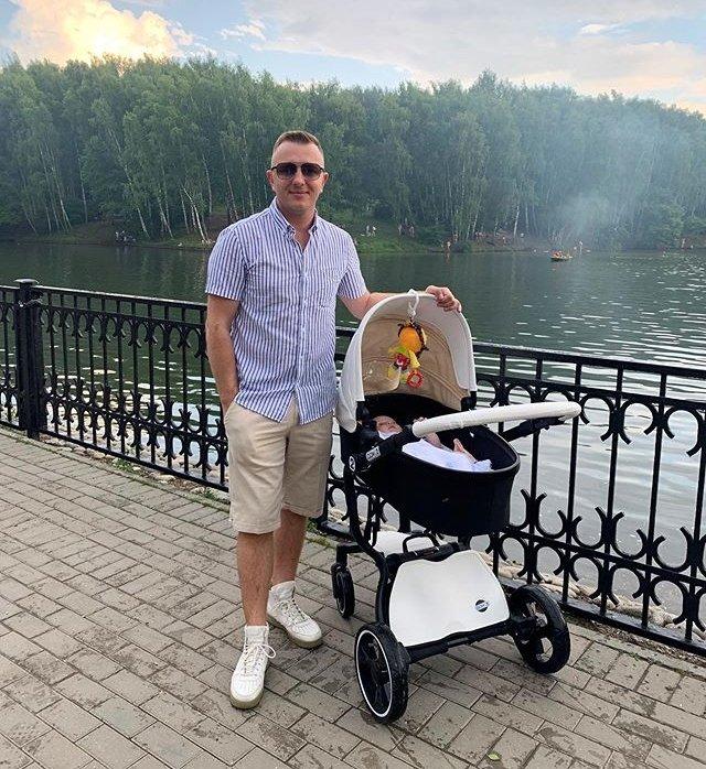 Илья Яббаров раскошелился на покупку брендовых солнцезащитных очков