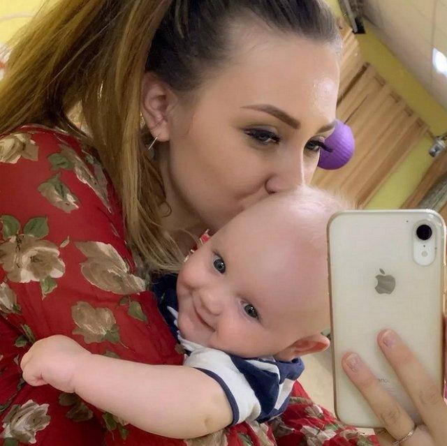 Рапунцель ревнует мать к малышу Богдану