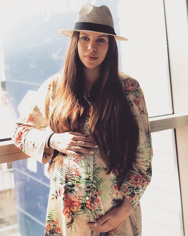 Саша Артёмова ставит под угрозу здоровье будущего ребёнка
