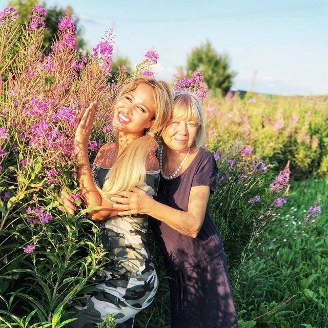 Интимное фото мамы Марии Кохно наделало шума в сети