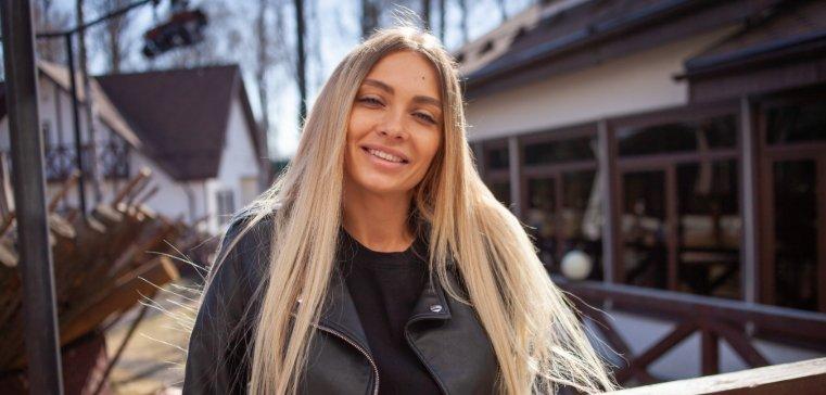 Ларченко приглашает подписчиков посетить с ней школу миллионеров