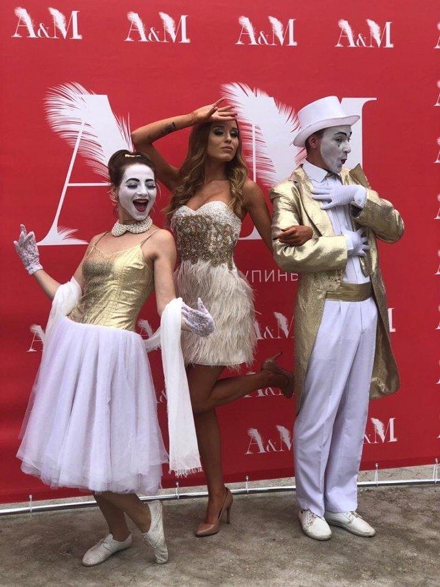 Фотографии с голливудской вечеринки Купиных