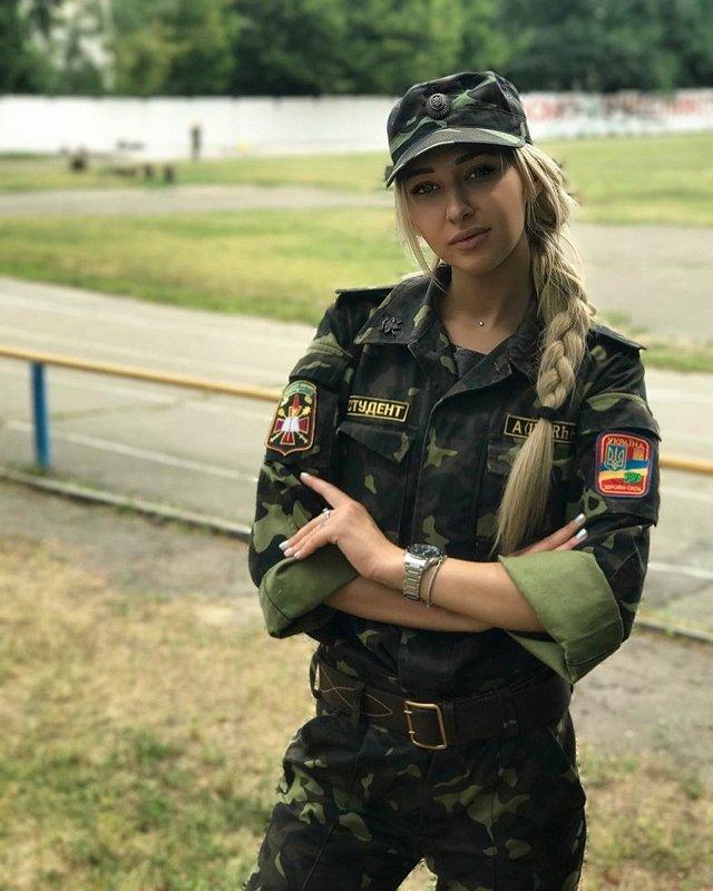 Анастасия Стецевят: Я училась на военной кафедре