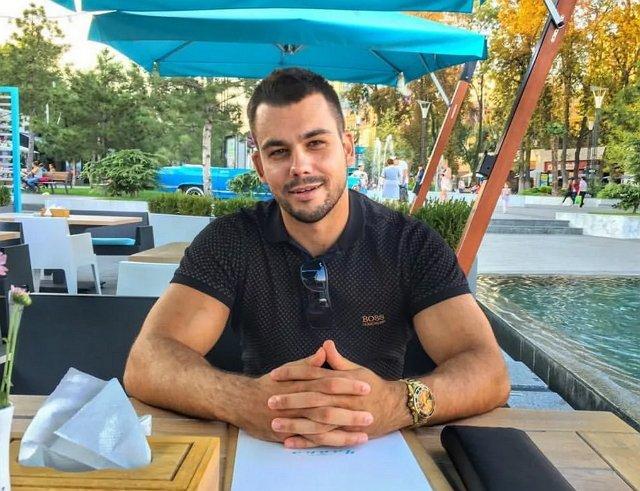 Сергей Захарьяш признался в том, что предлагал участницам проекта «групповуху»