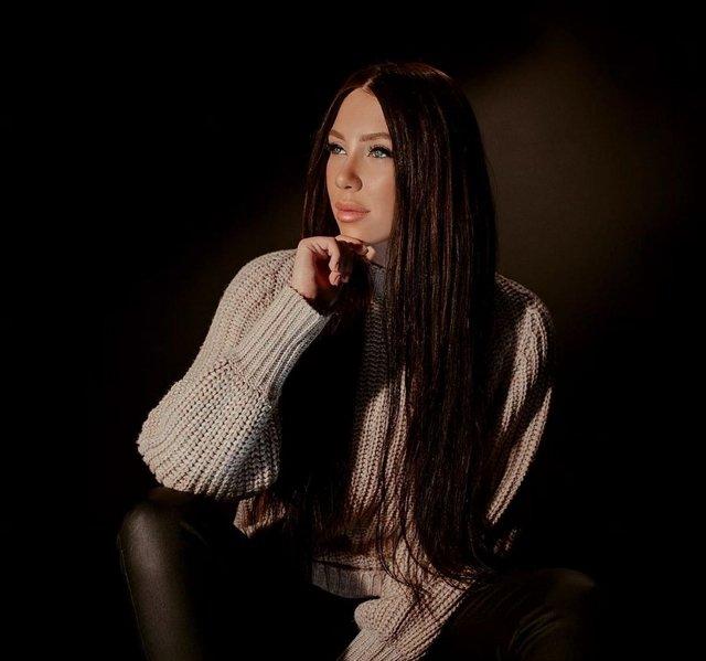 Алёна Савкина: Поэтому я ни по кому не страдаю