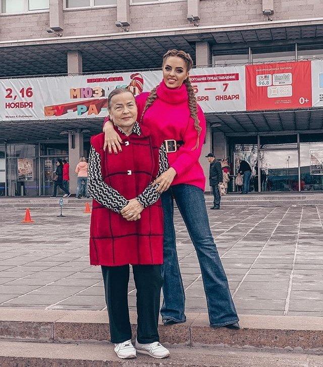 Мама Юлии Ефременковой помогла Мондезиру сделать сюрприз