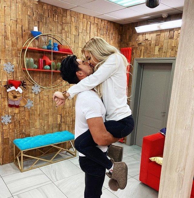 Оля Бузова довела Настю Стецевят до слез