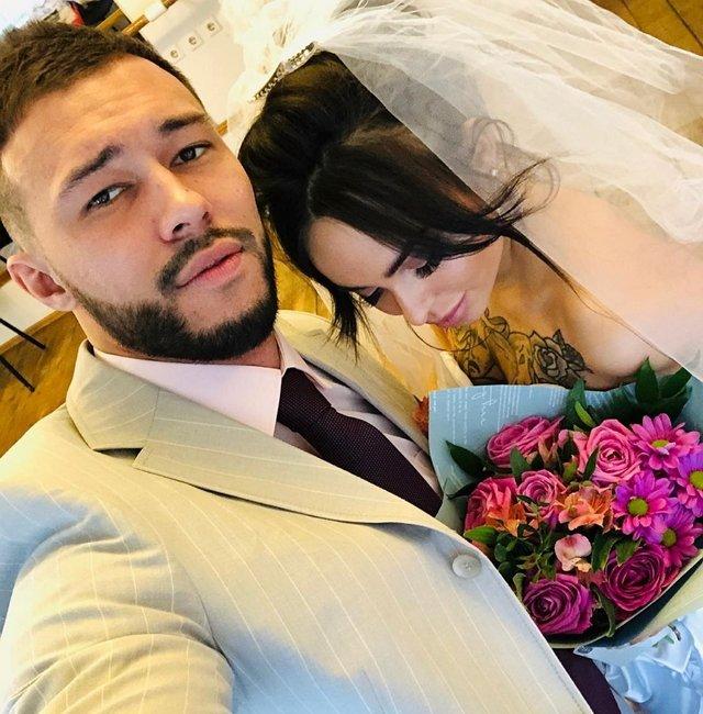 Саймон Марданшин внезапно женился?