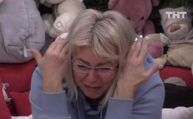 Алена Савкина разгромила дом из-за скандала с мамой