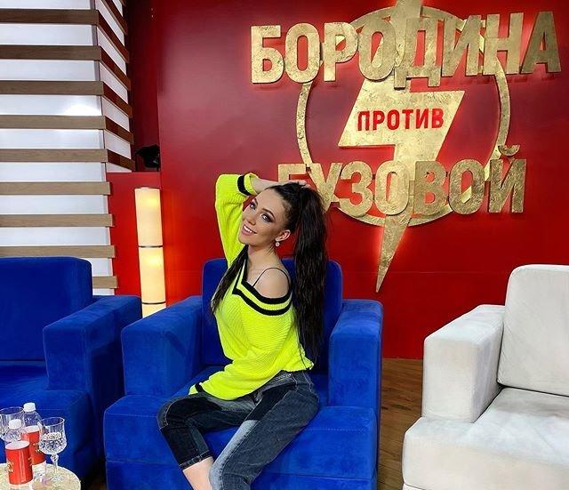 Влад Иванов начал ухаживать за Аленой Савкиной