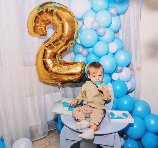 Нелли Ермолаева отметила день рождения сына в компании бывшего мужа
