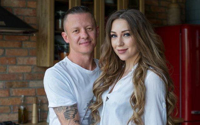 Роман Макеев исправил татуировку с именем Алены Савкиной