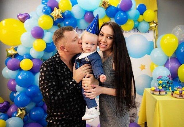 Алёна Савкина заикнулась о повышении гонораров