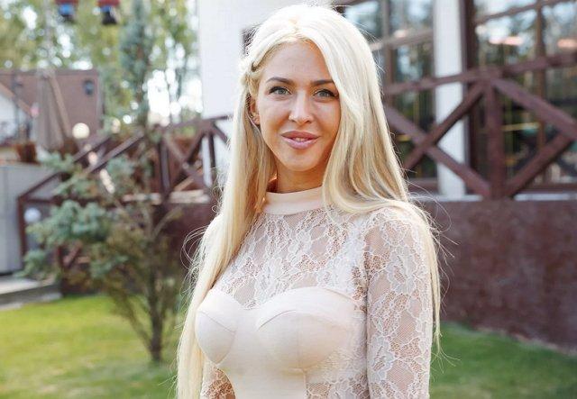 Анастасии Кочервей объявили подозрение на рак груди из-за имплантов
