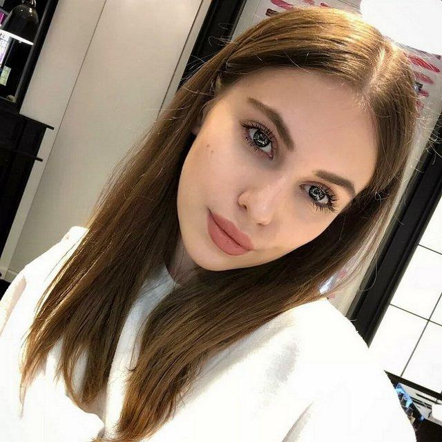 Саша Артемова пожаловалась на проблемы с лактацией