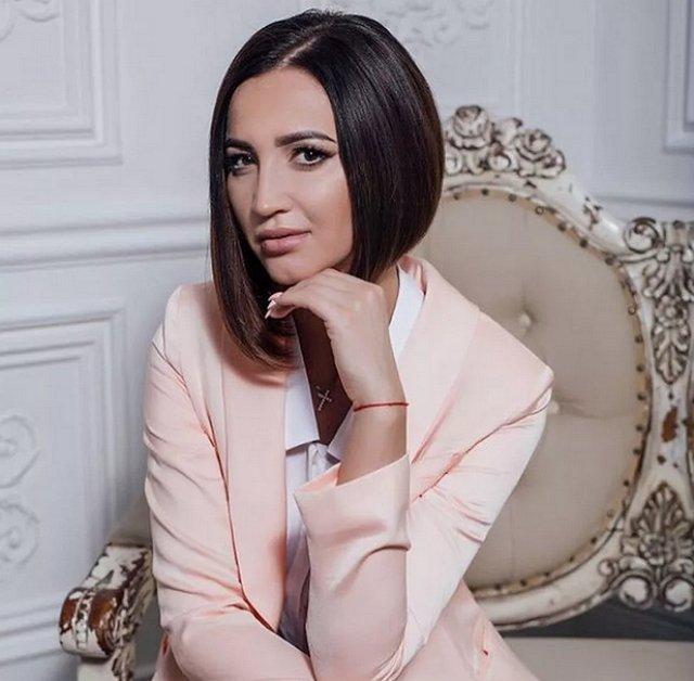 Ольга Бузова самостоятельно подстригла свои волосы на спор