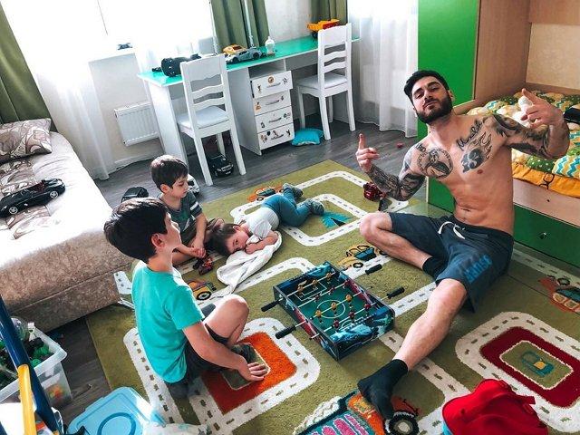 Фотоподборка детей участников (21.04.2020)