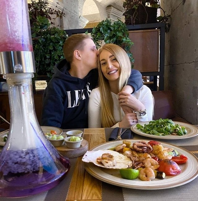 Кристина Дерябина влюблена в девушку!