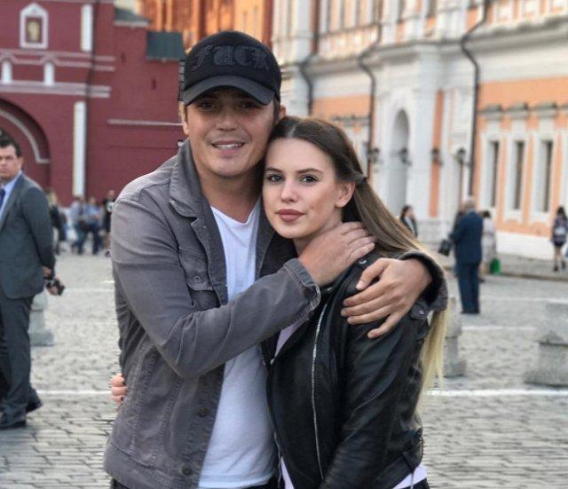 Евгений Кузин ушёл из семьи из-за бизнеса?