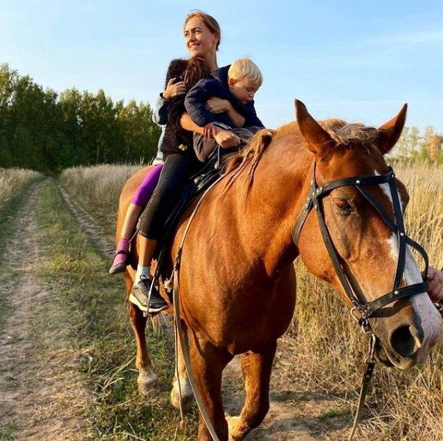 Мария Круглыхина: Будем заниматься конным спортом